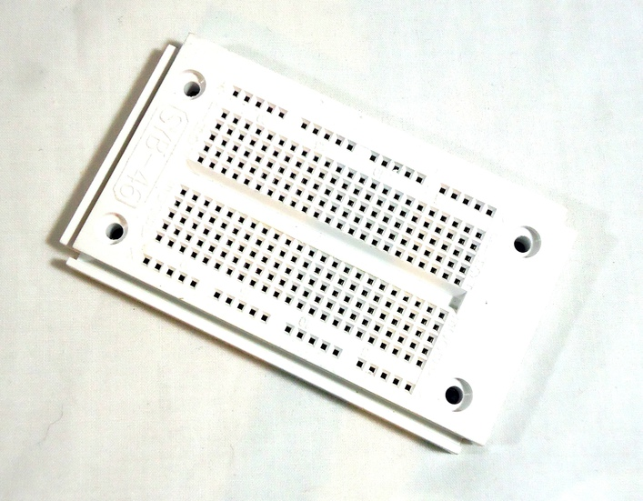 Breadboard Small 250 Holes