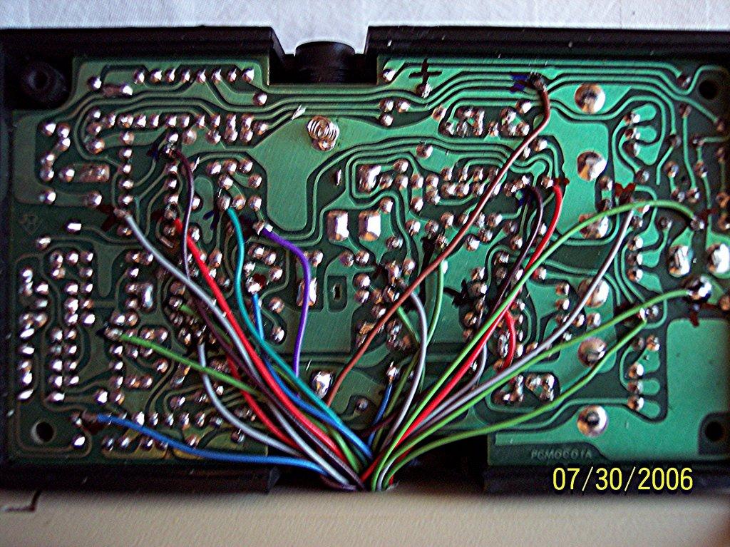 circuit bent arion guitar effects getlofi circuit bending synth diy. Black Bedroom Furniture Sets. Home Design Ideas